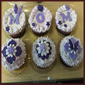 """Mum"" cupcakes in our standard clear packaging"
